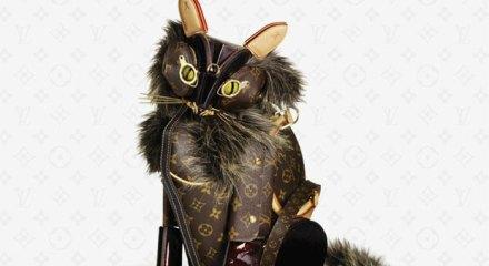 segunda_oportunidad_objetos_comercializados_cotidianos_reutilizar_louis_vuitton_cartera_bolso_cinturon_animales_gato_destacado_home2